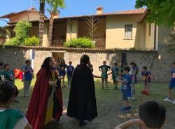 Azzate, una festa della scuola in stile medioevale