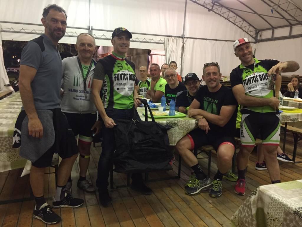 Giro in bicicletta del Lago di Varese al Tramonto