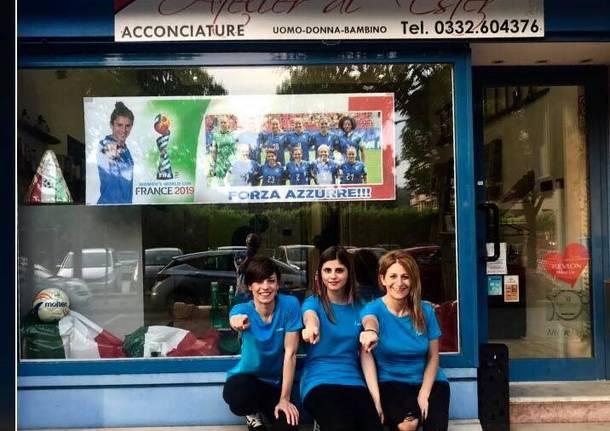 I negozio di Laveno Mombello sostengono le azzurre