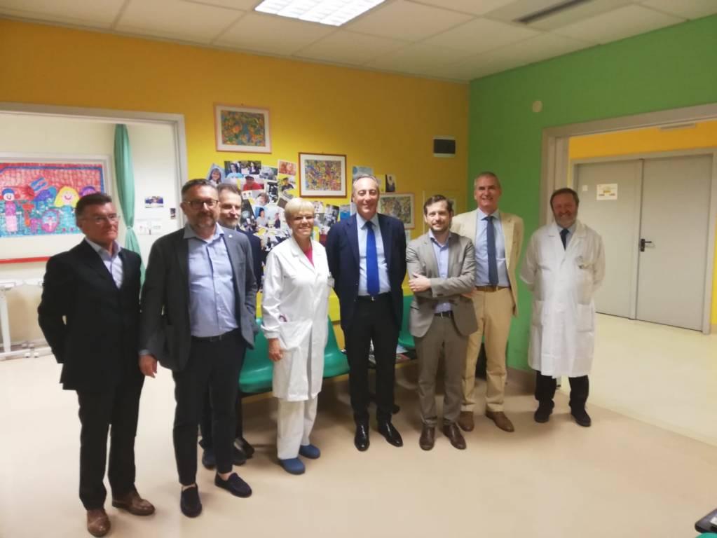 l'assessore Gallera in visita agli ospedali di Varese