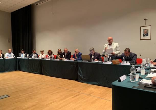 Primo consiglio comunale a Cardano al Campo