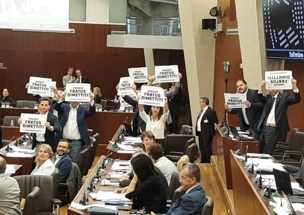 richiesta dimissioni fratus movimento 5 stelle consiglio regionale