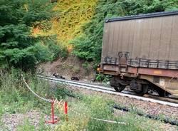 auto travolta da treno merci