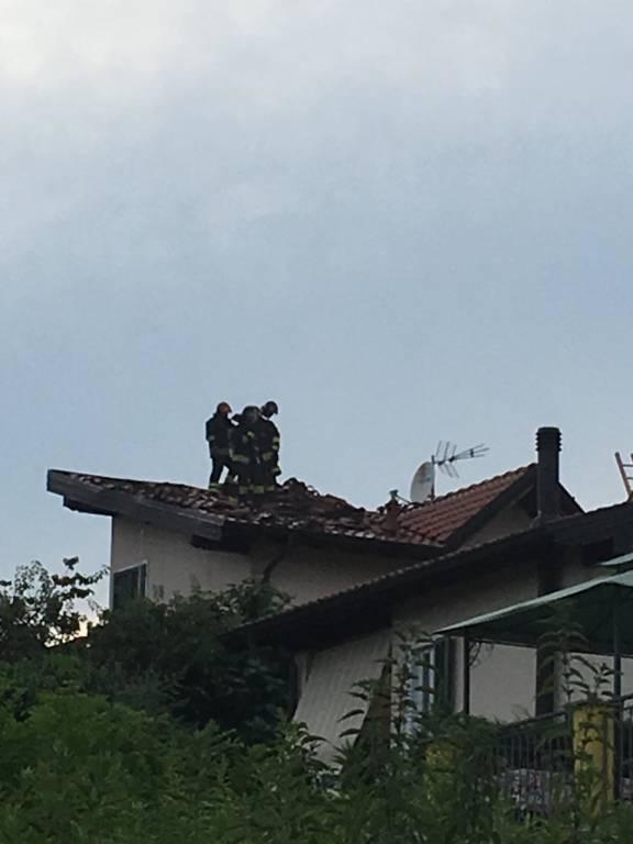 Incendio tetto a Besozzo