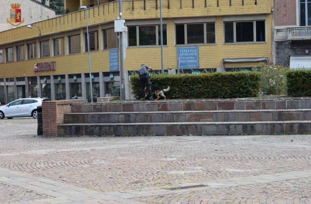 Controlli antidroga in Piazza Repubblica