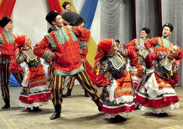 compagnia folk russa stavropolye cosacchi danza