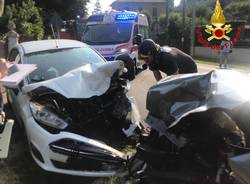 incidente stradale frontale