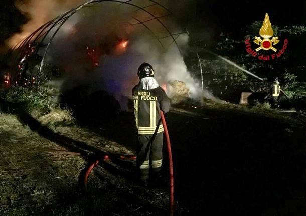 Incendio in un'azienda agricola di Fagnano Olona