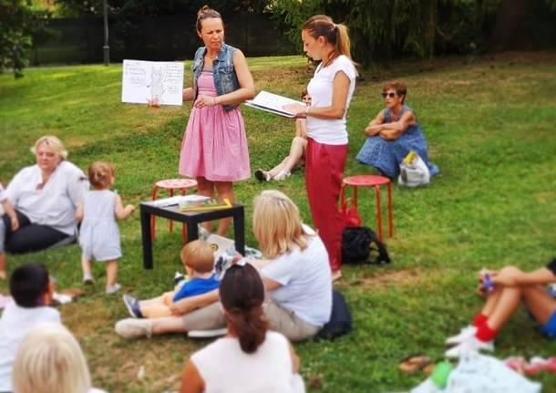 """Letture per bambini """"Nell'erba"""" dei parchi"""