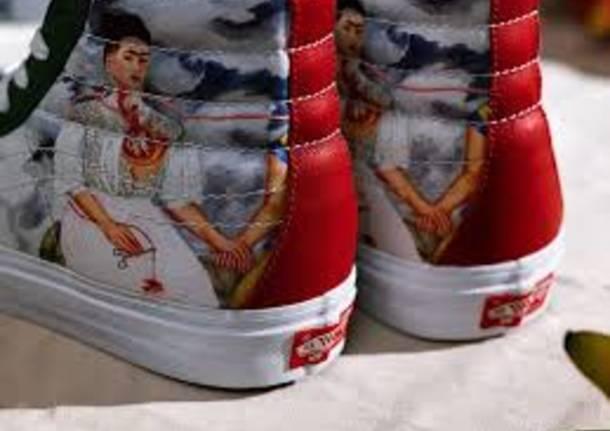cheap for discount 3fa51 88263 Frida Kahlo celebrata da un noto brand di calzature americano
