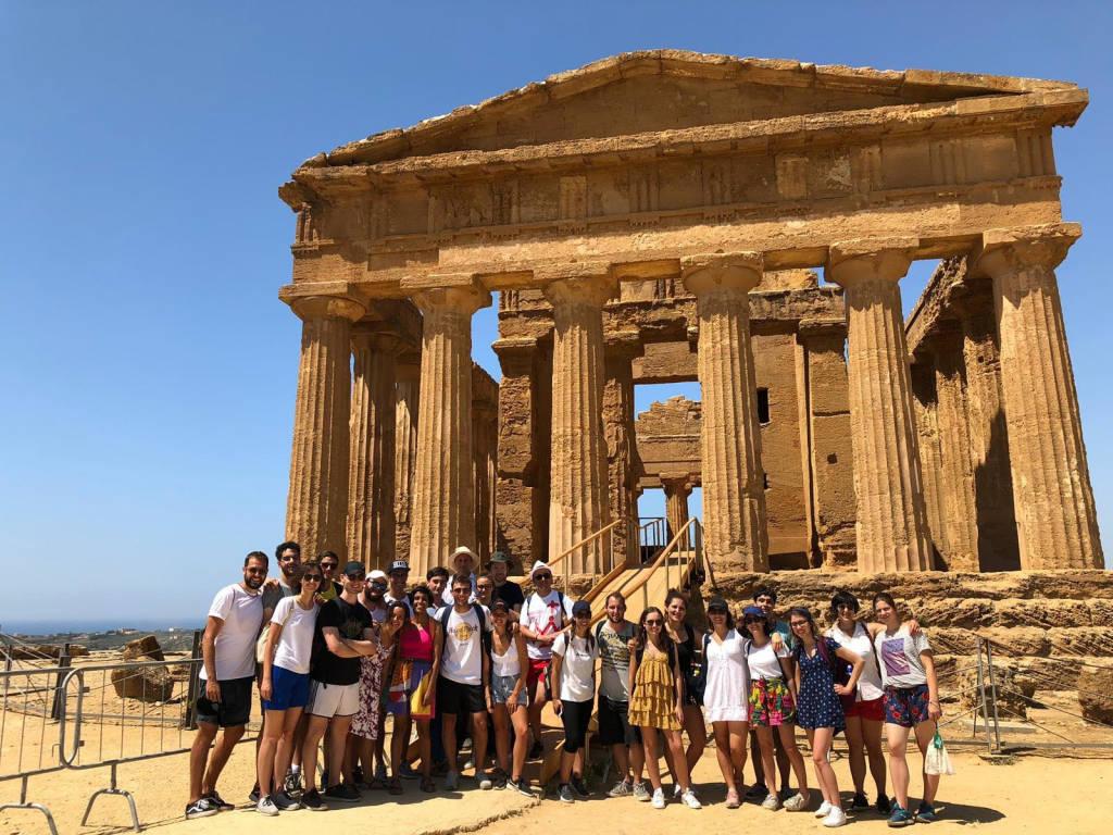 Dodici ragazzi degli oratori estivi in visita in Sicilia
