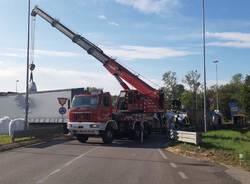 Camion ribaltato 336