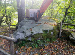 Curiglia con monteviasco - sasso preistorico - foto di Claudia Dorn