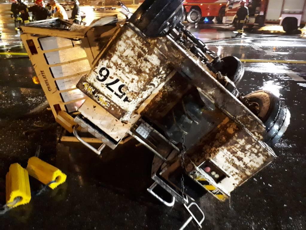 Incidente trattorino aereo a Malpensa