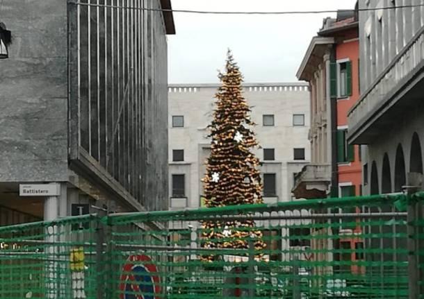 In piazza è già Natale (ma è solo una prova)