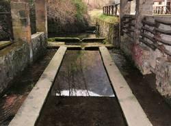 Arcisate-Bisuschio, la vecchia fontana - foto di Angelo Baroni