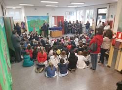 Borracce in regalo agli alunni della scuola Canetta