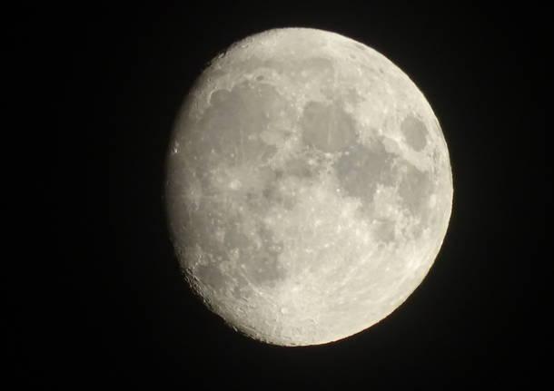 primo piano della Luna