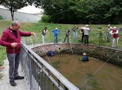 I volontari hanno ripulito il Fontanile, i vandali hanno sporcato di nuovo