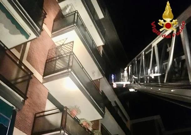 Incendio in un appartamento di via Castelfidardo