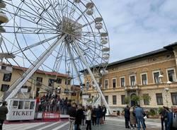 ruota panoramica busto arsizio piazza san giovanni
