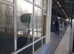 stazione fs busto vandalismi