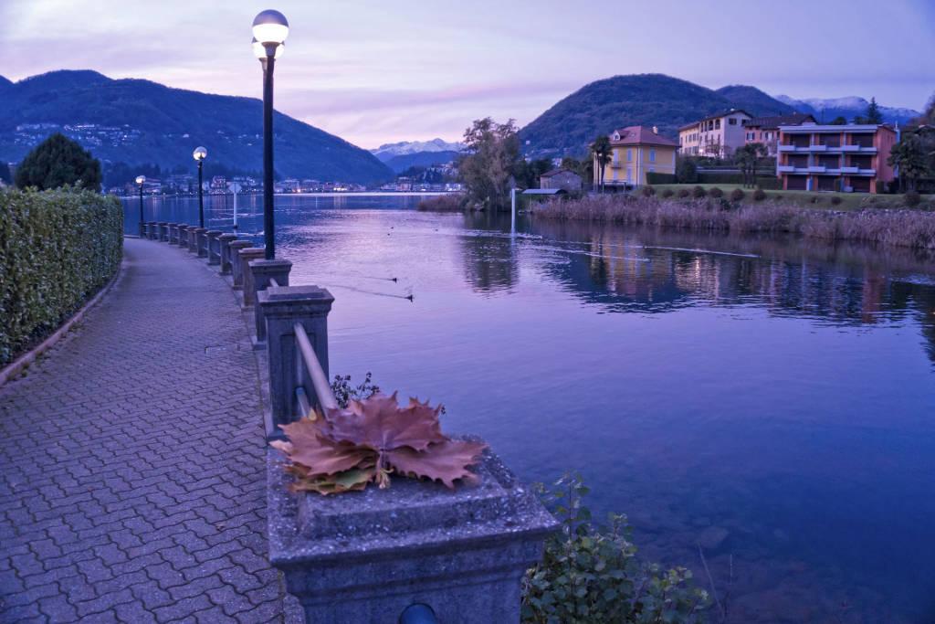 Sera d\'autunno a Lavena Ponte Tresa