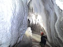 "Nelle \""grotte del sale\"" in Iran con gli speleologi varesini"