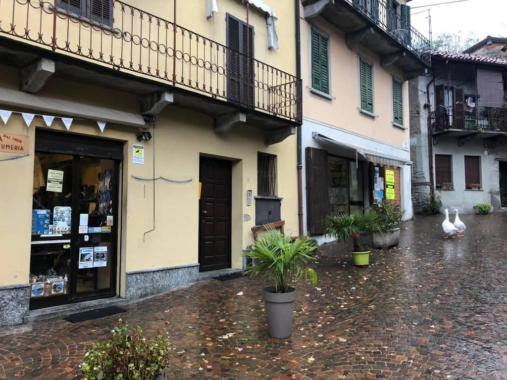 Cerro di Laveno, il negozio di abbigliamento compie sessant'anni