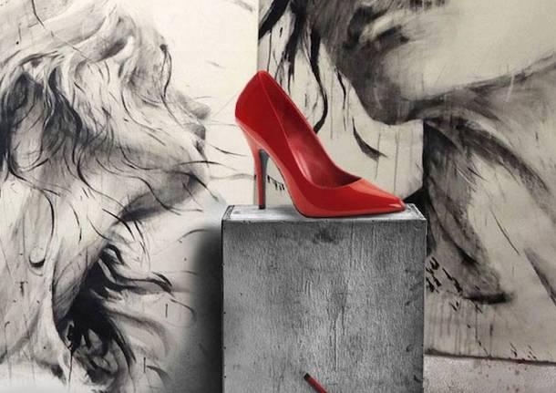 Quelle scarpe rosse tacco 12 che fanno pensare