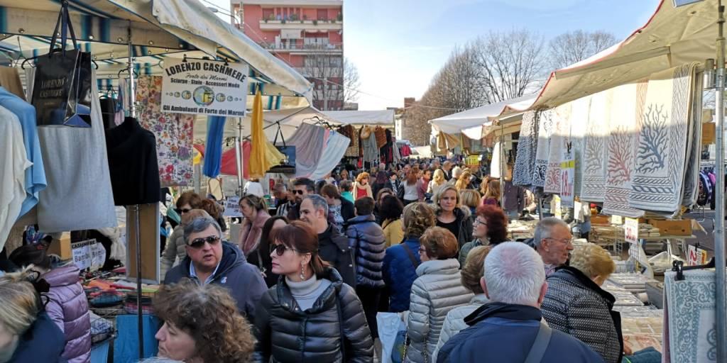 Gli Ambulanti di Forte dei Marmi® arrivano a Legnano - novembre 2019