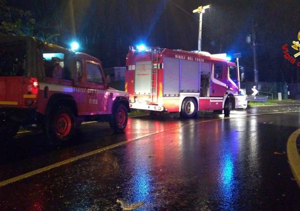 Incidente tra tre vetture sui tornanti di Marchirolo