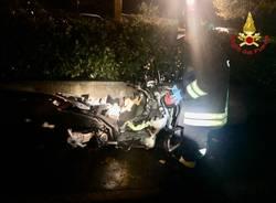 Incidente tra un'auto e uno scooter a Luvinate