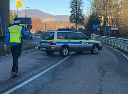Cantello, frana e strada chiusa verso il Canton Ticino