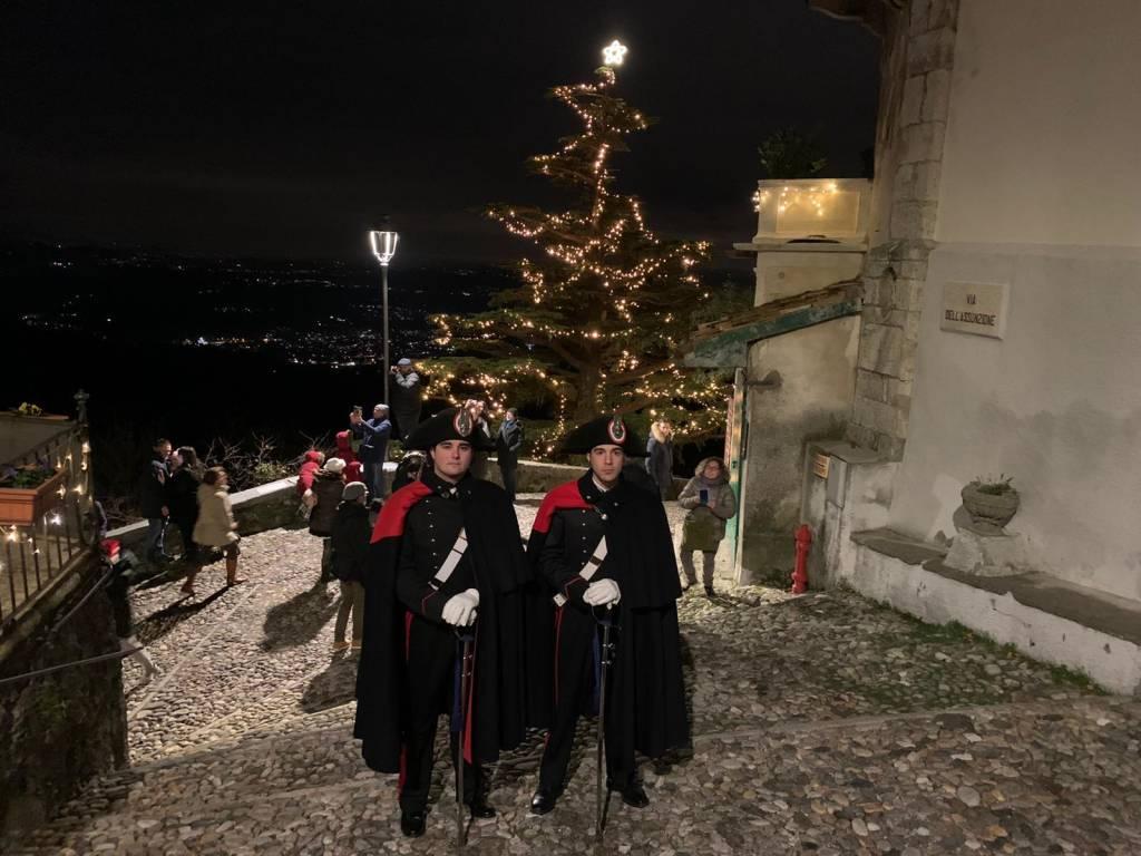 Carabinieri in alta uniforme al sacro Monte