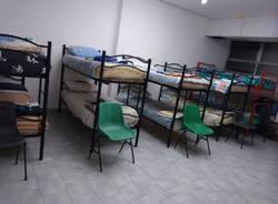 dormitorio senza tetto varese