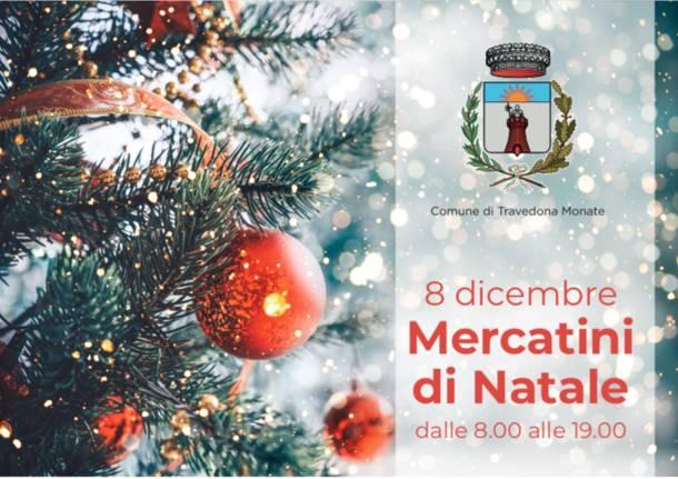 Albero Di Natale 8 Dicembre.Il Grande Albero Di Natale E Pronto A Illuminare Il Paese