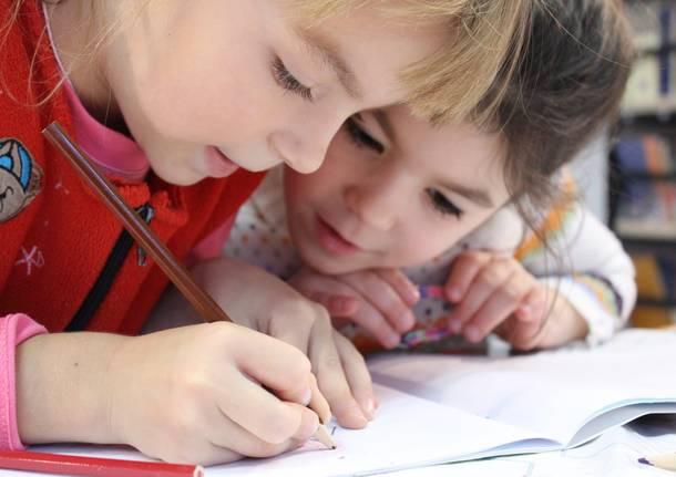 bambini scuola doposcuola compiti