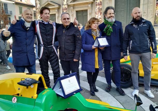 La monoposto di Laurence Balestrini sfila per le vie del centro