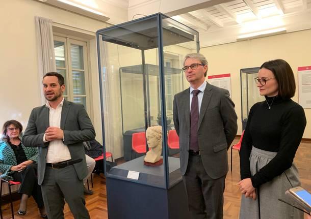 Una statua greca al museo Mirabello: dono dei Tavernari