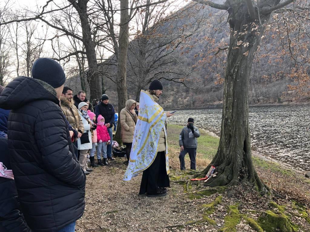 Battesimo ortodosso al Lago di Ghirla