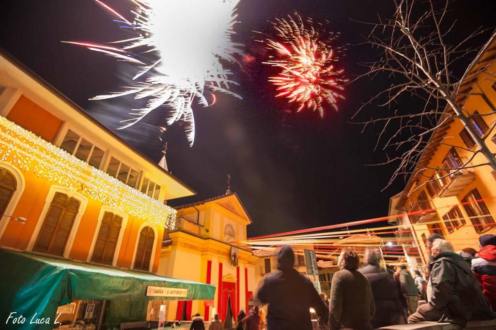 Fuochi d\'artificio festa San Antonio a Bedero Valcuvia