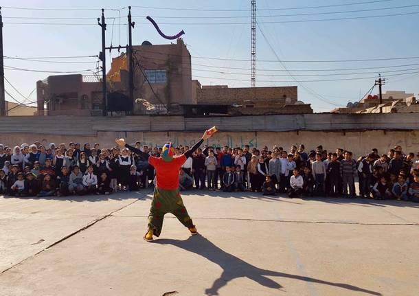 Il Claun Pimpa fa ridere i bambini di Bagdad