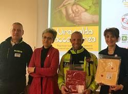 Consegnba dei kit per i neonati che nascono in ambulanza