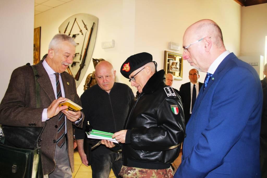 Il Generale di Corpo d'Armata Miglietta incontra le associazioni del territorio