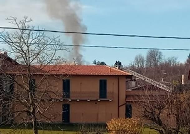 incendio tetto daverio