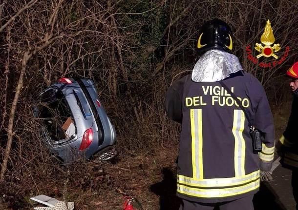 incidente stradale venegono superiore vigili del fuoco