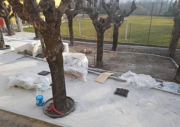 Lavori al parco Rimembranze di Cazzago Brabbia