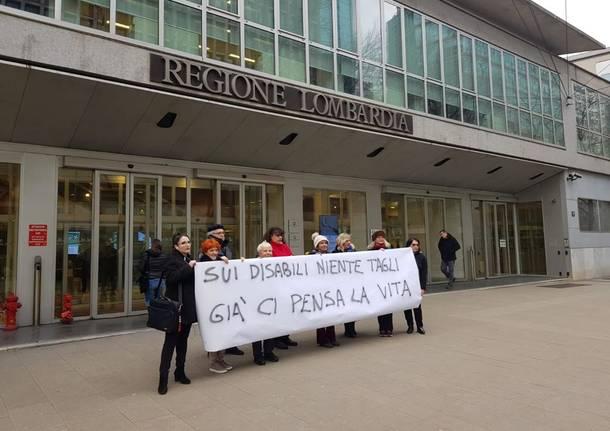 protesta in regione associazioni disabilità