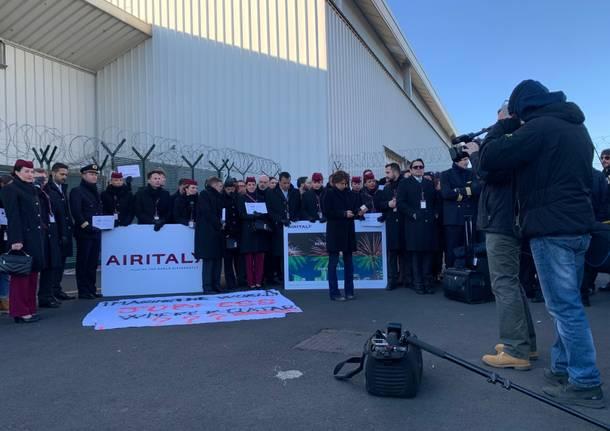 Il presidio di Air Italy a Malpensa